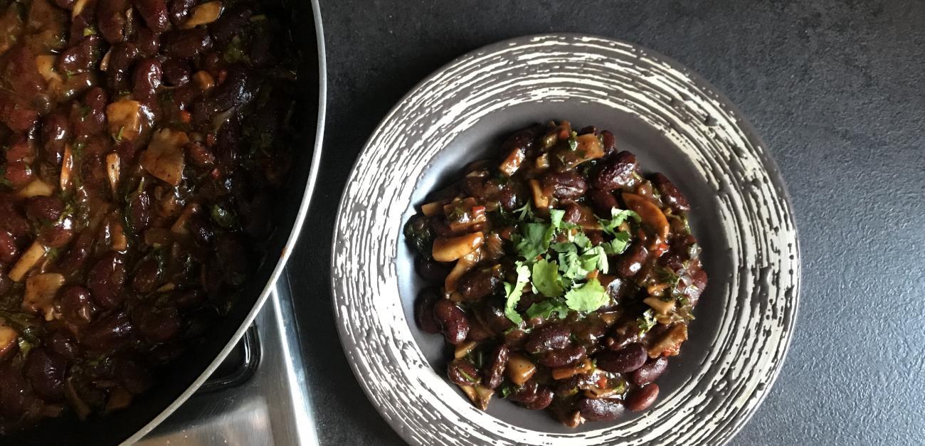 Վրացական խոհանոցի շատ համեղ և օրիգանալ ուտեստի Լոբիո բաղադրատոմս, որը կարող եք պատրաստել տնային պայմաններում