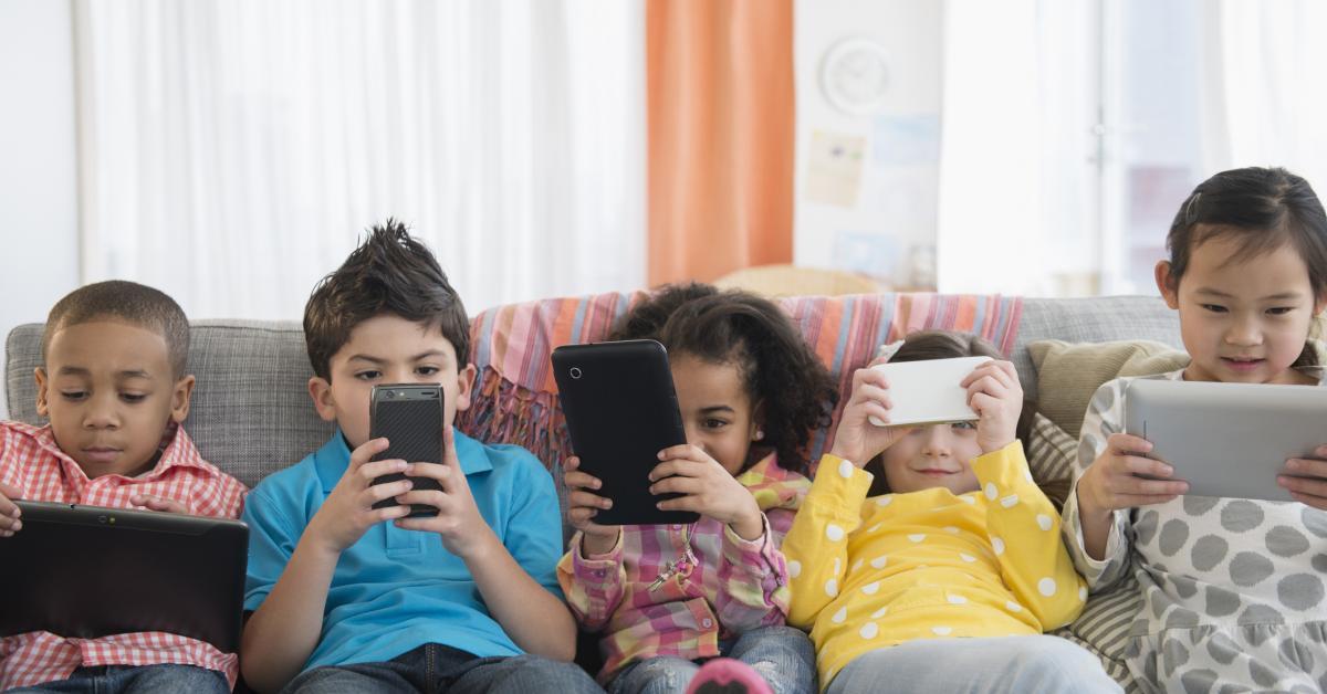 Սա պետք է կարդան ծնողները. մինչև 12 տարեկան երեխաներին չի կարելի սմարթֆոն տալ, ահա թե ինչու
