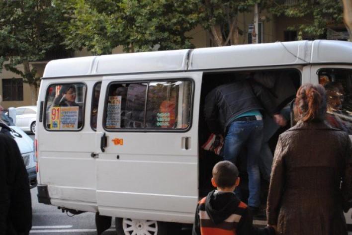 Սկանդալային միջադեպ Երևանի երթուղային տաքսում. Ոստիկանության մայորի և վարորդի վեճը դարձել է համացանցի հիթ