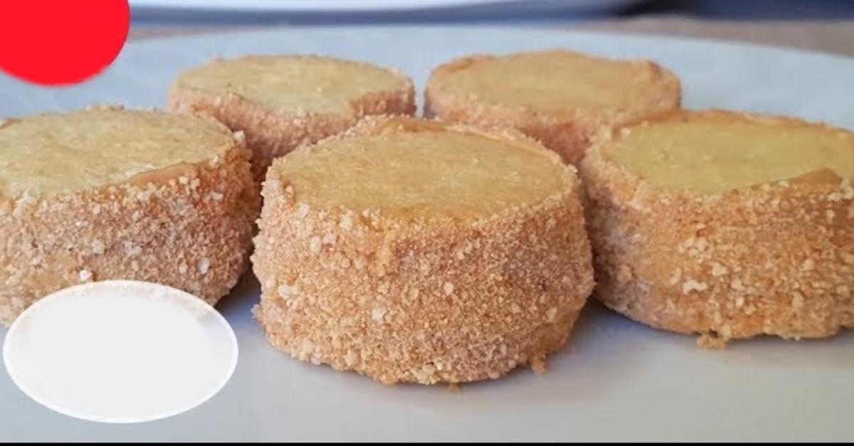 Եփած խտացրած կաթով թխվածքաբլիթների պարզ և արագ բաղադրատոմս