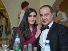 Տիգրան Մնացականյանն ու նրա 2-րդ կինը սկսել են հանդիպել, երբ Մարիամը դեռ 15 տարեկան էր. նոր բացահայտումներ (լուսանկար)