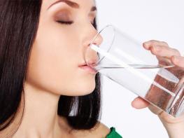 Ինչպես խմել ջուրը նիհարելու համար. 3 գաղտնիք` համաշխարհային առաջատար դիետոլոգներից