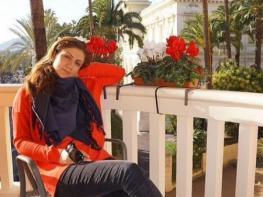 Նունե Եսայանը հետ չի մնում երիտասարդներից. երգչուհին թափանցիկ զգեստով լուսանկար է հրապարակել (ֆոտո)