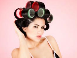 Как накрутить волосы на бигуди, чтобы получить красивые кудри