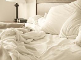 Ահա, թե ինչու երբեք պետք չէ հավաքել անկողինը արթնանալուց հետո