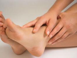 5 эффективных натуральных средств от боли в пятках